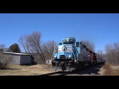"Railfanning the NEK. Chasing CMQ ""904"" from Richford to Newport VT"