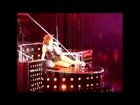 Rihanna Paris Bercy 20 Octobre 2011 Man Down SM Unfaithful ( clip live hd stereo )