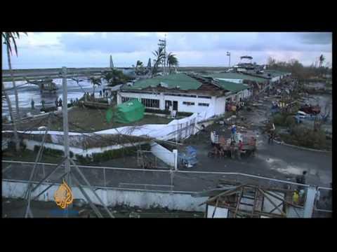 Typhoon Haiyan devastates thousands in the Philippines