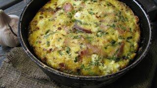 Фриттата с ветчиной, шпинатом и сыром фета. Фриттата рецепт. Итальянский омлет