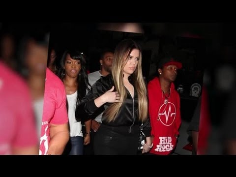 Khloe Kardashian Goes Clubbing After Sharing Selfie With Kim - Splash News | Splash News TV