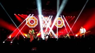"""Blur """"Song 2"""" 11/6/15 Llandudno Venue Cymru"""