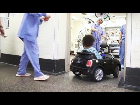 På dette sykehuset kjøres barna til operasjonsbordet i bil