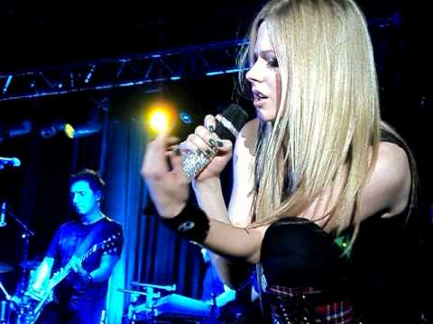 Avril Lavigne - I Love You (Moscow, Russia 2011)
