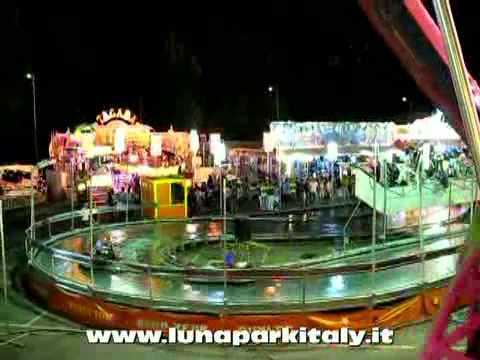 Luna park bergamo bg 2011 youtube for Puerta 9 luna park