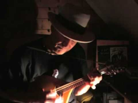 blues mandolin - Dark Night Blues - Blind Willie McTell