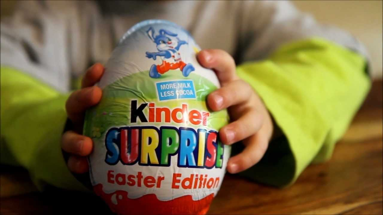 Mega giant special kinder surprise egg easter edition 2017 youtube.