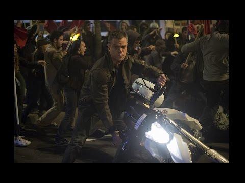『ジェイソン・ボーン』本編映像(Steals Motorcycle)