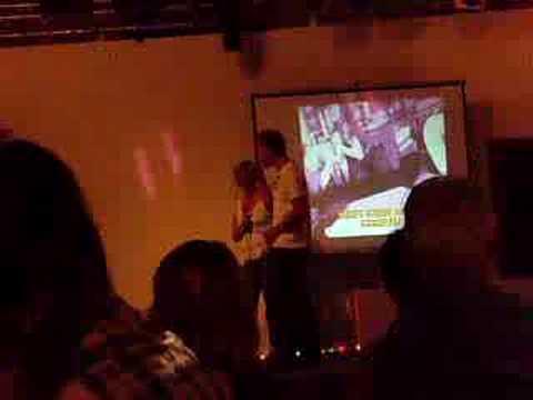 Karaoke Domino