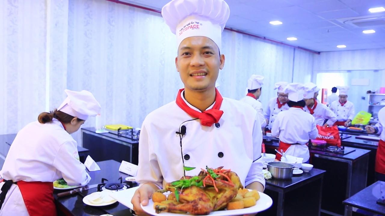 Dạy nấu ăn – Thi giữa kỳ Khóa học Bếp Việt K69 và Bếp Quốc tế K91 – Trường Netspace