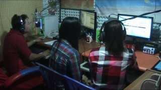 Repeat youtube video ลาวัณย์ จันทร์เพ็ญ และ ใบตอง จันทร์งาม ที่สถานี 95 บ้านผือเรดิโอ