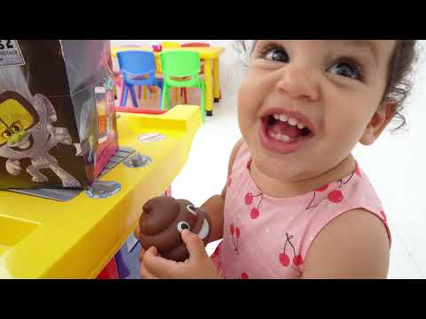 Amira Pretend Play Happy Meal McDonalds Drive