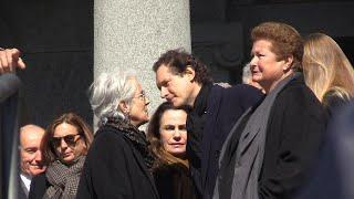 """Funerali di Marella Agnelli, il vescovo: """"La sua bara e quella dell'Avvocato si guardano"""""""
