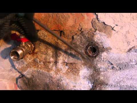 Как выкрутить сломанную резьбу из трубы