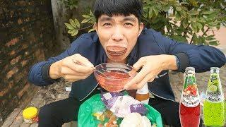 PHD   Chấm Tất Cả Mọi Thứ Với Nước Ngọt Hạt Chia   Mix Food With Thai Soft Drinks