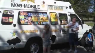 The MOO-Mobile Ice Cream Truck in RI (401) 316-2931