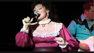 Video Amberley Beatty starring as Loretta Lynn The Honky Tonk Gal download MP3, 3GP, MP4, WEBM, AVI, FLV Agustus 2018