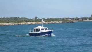 33 Eco-Trawler Cruising at Various Speeds