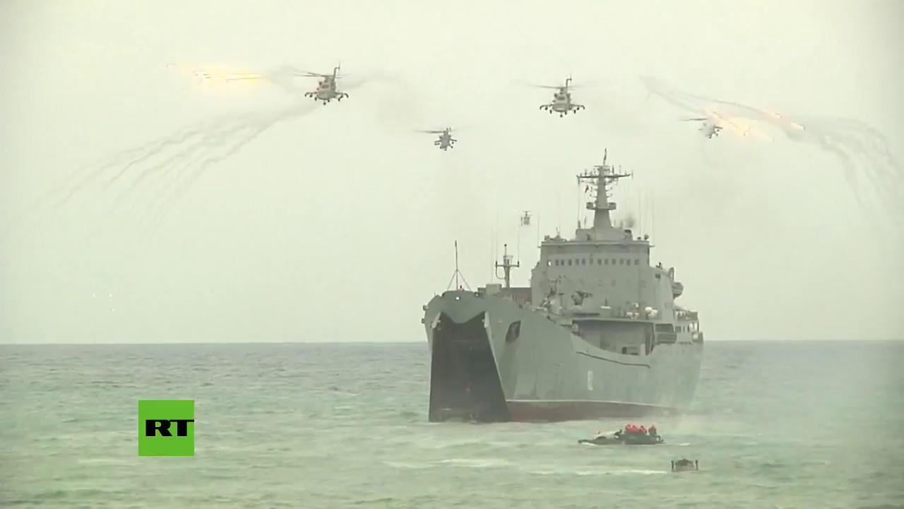 Amphibious Pelicula de película: soldados rusos ensayan un desembarco en la costa siria