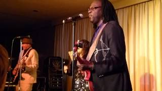 Joe Louis Walker and Murali Coryell - Eyes Like A  Cat - Live at Bull Run