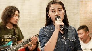 น้ำตาสาววาริน - เวียง นฤมล | ซำบายพุง LIVE
