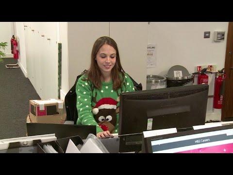 Suéteres navideños solidarios