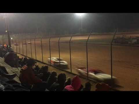 Harris Speedway Renegade Main 10/21/17