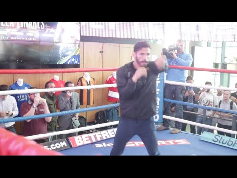JORGE LINARES OFFICIAL OPEN WORKOUT IN MANCHESTER / CROLLA v LINARES