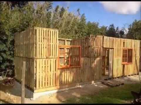 Casa hecha con palets de madera youtube - Casa de palets para ninos ...