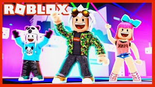 PARTY IS ME GOING HANDS - ROBLOX