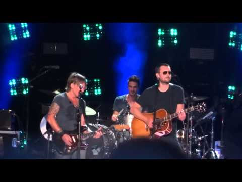 "Keith Urban And Eric Church Sing ""Raise 'Em Up"" Live At CMA Fest 2015"