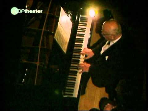 Richter-Mozart-Sonata K.310-part 1 of 2 (HD)