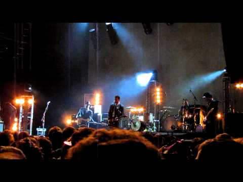 Brand New - Nobody Moves (Live on New Year's Eve 12/31/11, Atlantic City) HD