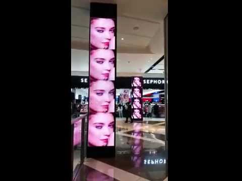 Digital Signage - SEPHORA totem led screens