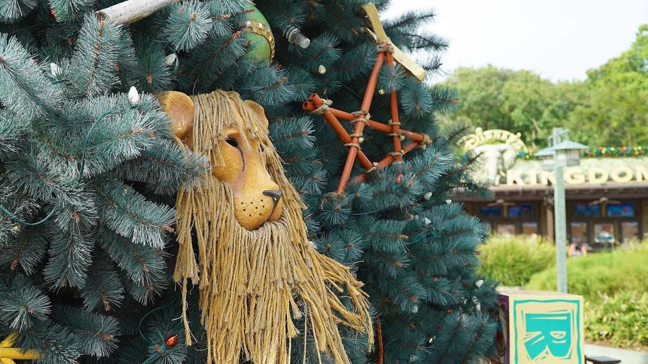 Christmas At Disney S Animal Kingdom 11 29 16 Youtube