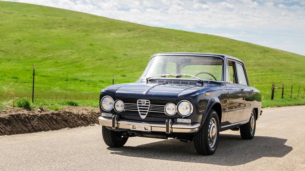 1970 alfa romeo giulia super 1 6 walk around and test drive for sale at modern classics youtube. Black Bedroom Furniture Sets. Home Design Ideas