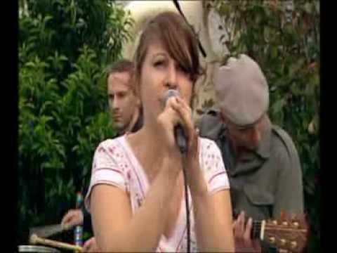 Nouvelle Vague - Love will tear us apart (LIVE)