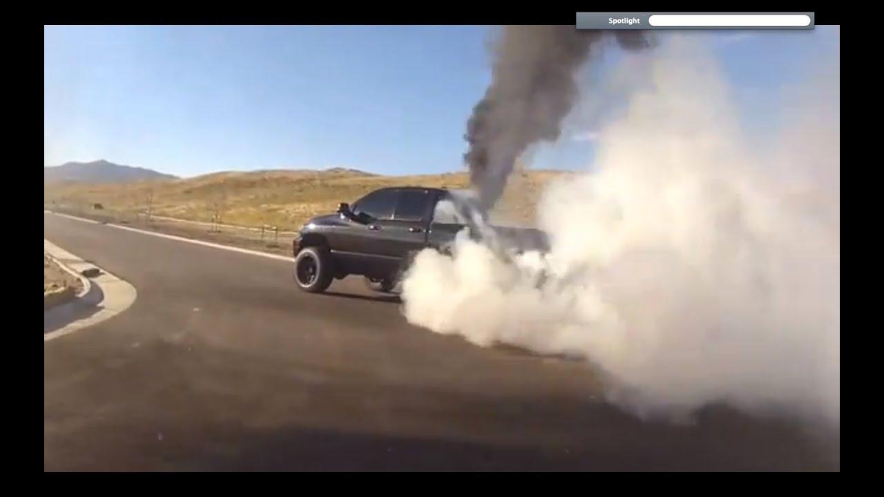 6 7 Cummins Burnout Rolling Coal Must Watch Youtube