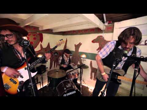 Sunday Valley (Sturgill Simpson) - I Wonder (Live from Pickathon 2011)