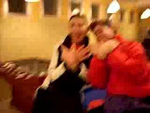 La Sílvia ha guanyat a la Tina al ping pong!!! xD