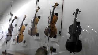 Muzeum Lubelskie  na Zamku w Lublinie - Sztuka Zdobnicza Polska i Obca & Instrumeny Ludowe