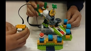 Lego Manipulator Machine - Lego Wedo 2.0 Robotics Education