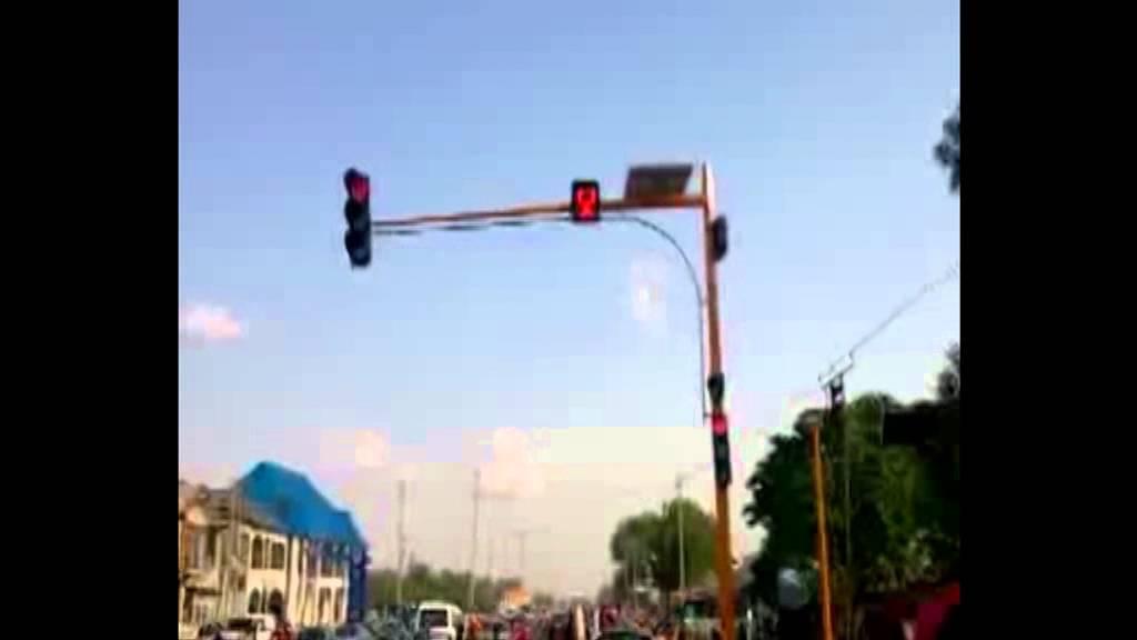 Solar Powered Traffic Light Youtube