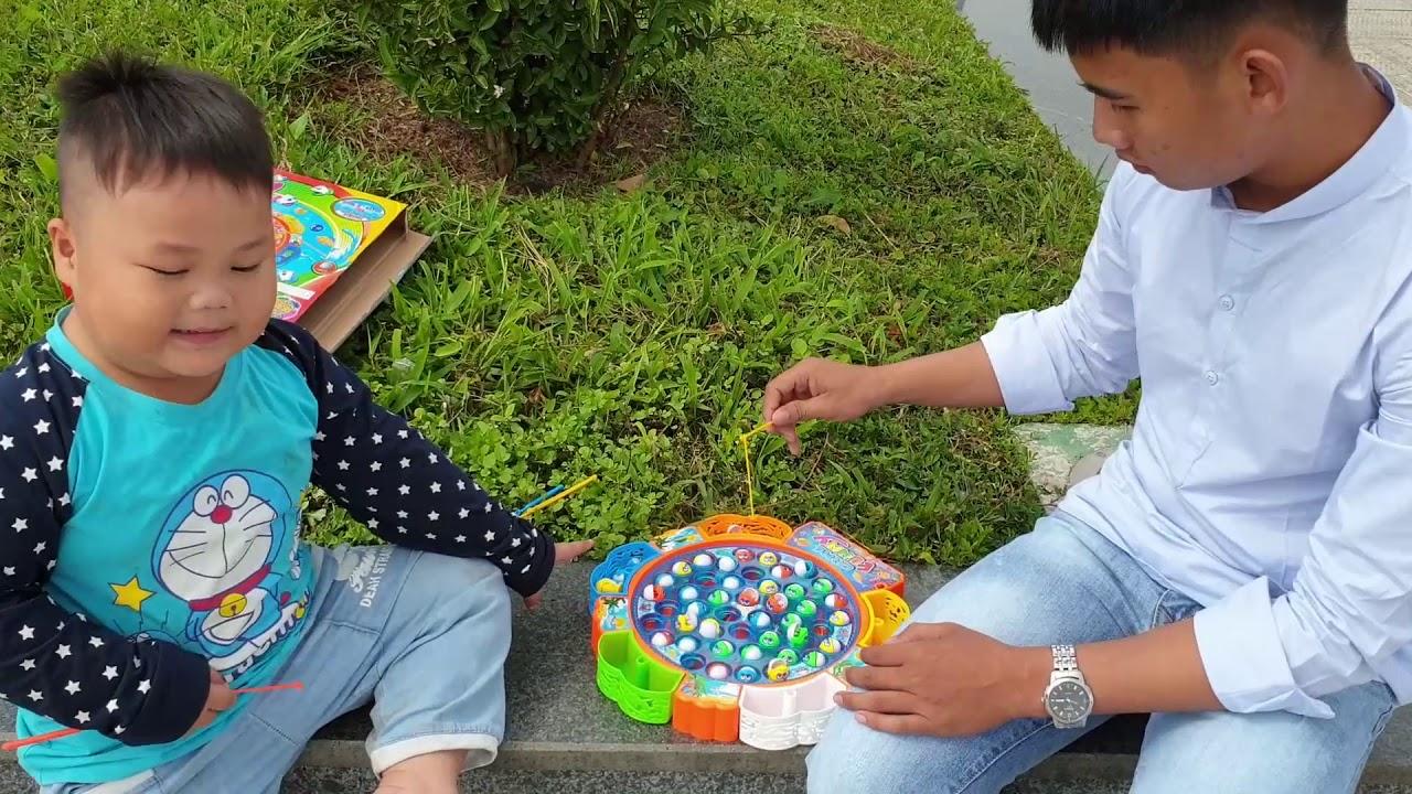 Trò Chơi Bé Pin Quảng Trường Đà Lạt ❤ ChiChi ToysReview TV ❤ Đồ Chơi Trẻ Em Baby Doli Fun Song Bài H