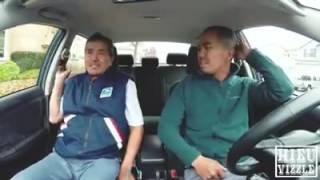 Cười đau bụng cha dạy con trai học lái xe