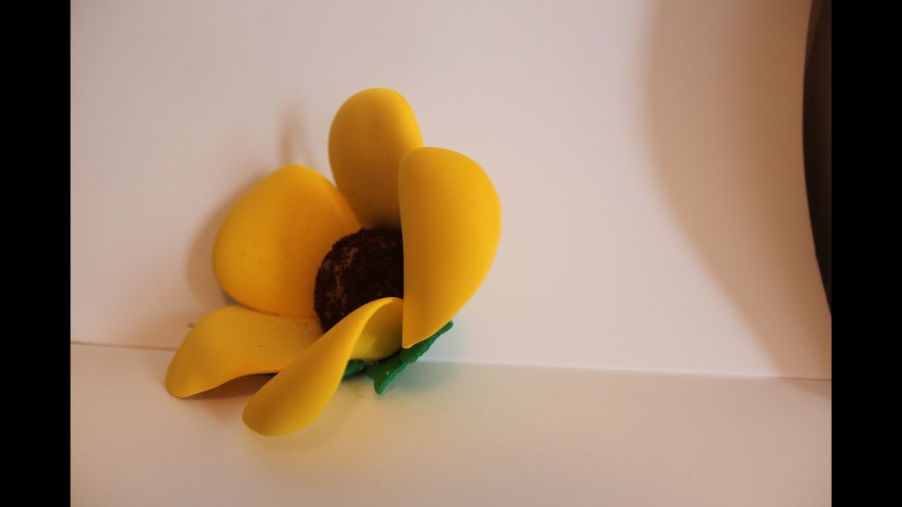 Como hacer flores con goma eva viyoutube - Lamparas con goma eva ...