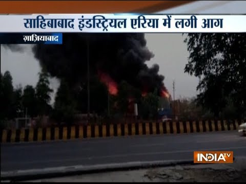 Ghaziabad: Fire breaks out in a pipe factory near Kaushambi metro station, 1 firefighter injured