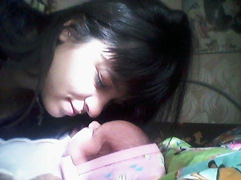 Срыгивание у новорожденных после кормления, новорожденный