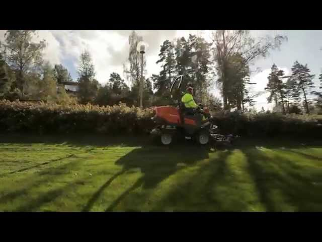 Close up trimming with the Husqvarna P 525D Front Mower