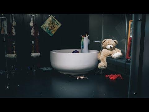 Смотреть клип Martin Garrix Feat. Bonn - Home